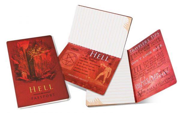 cuaderno Pasaporte al Infierno abierto por varias páginas