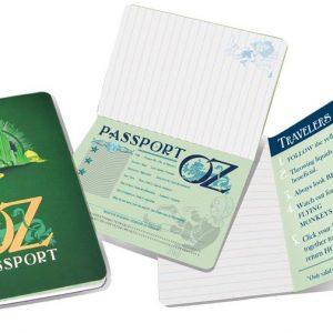 cuaderno Pasaporte Oz abierto por varias páginas