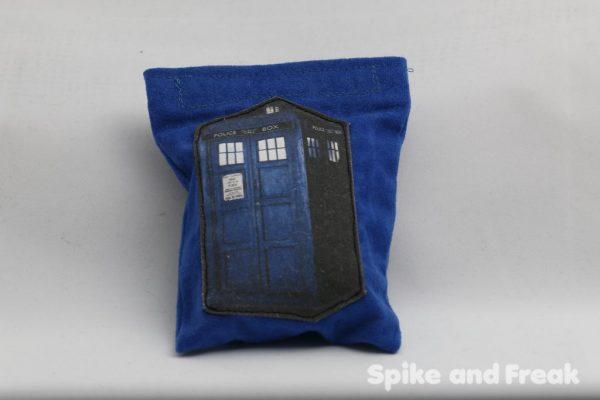 monedero Dr Who lleno de dados