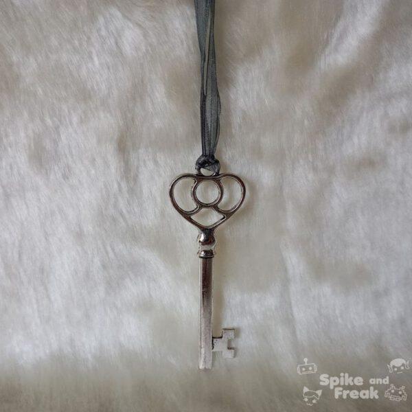 colgante llave grande
