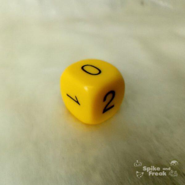 Dado quiniela D6 0,1,2 amarillo