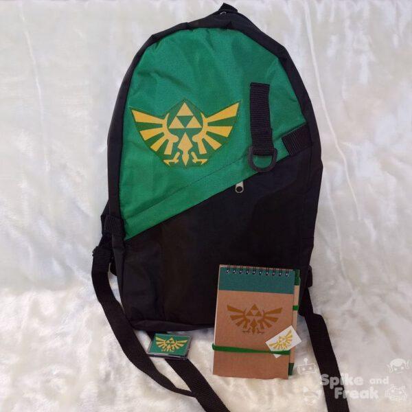 Mochila, imán, cuaderno y pegatina