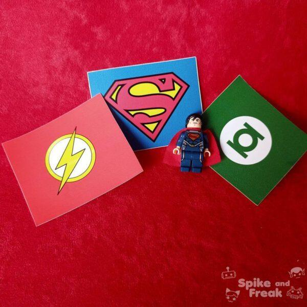 Pegatinas DC y superman Lego broche