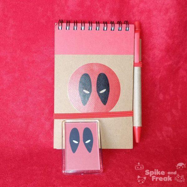 Cuaderno e imán Deadpool