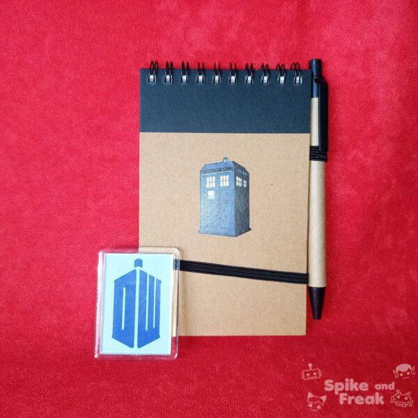 Cuaderno e imán Dr Who