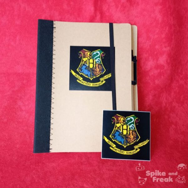 Cuaderno y pegatina Harry Potter
